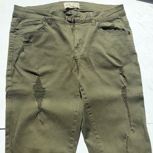 JOLT Olive Green Ripped Cotton Pants, 7/28 Juniors